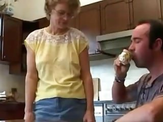 Hot together with Ugly Milf together with Her Step-son Kitchen Turtle-dove