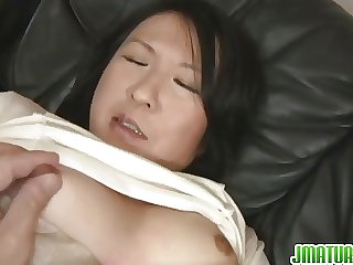 Mature Gets A Creampie Medial Her Pussy